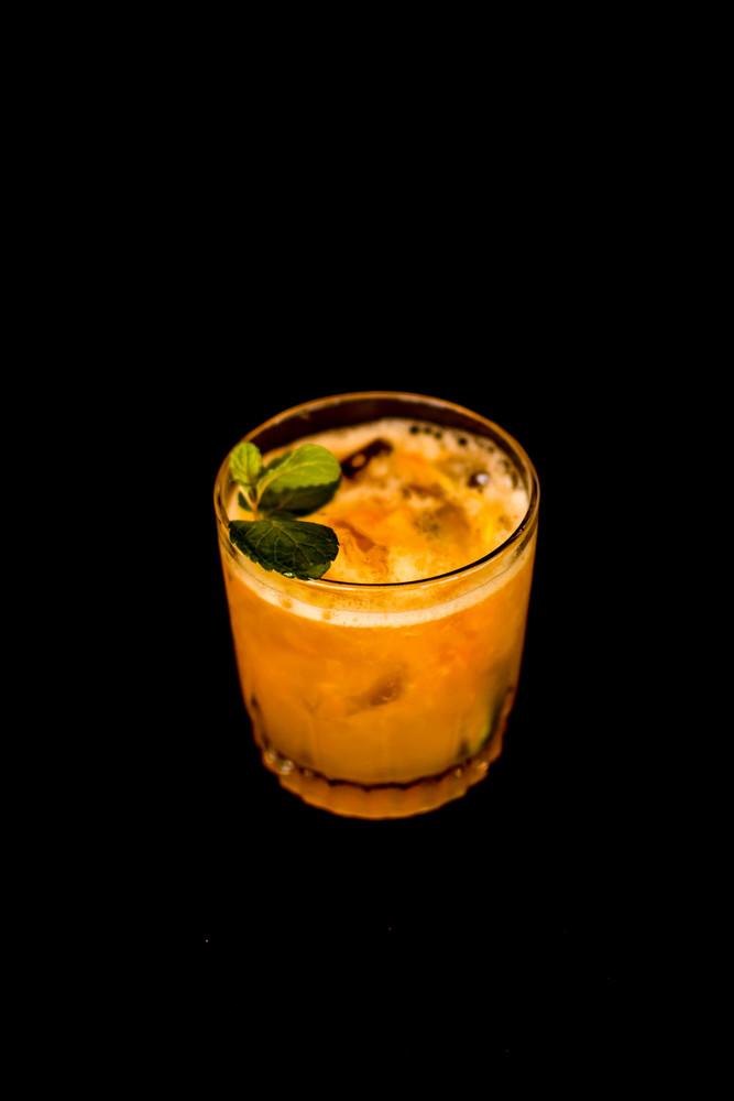 Caipira Bergamota, limão e Gengigre (Vodka)